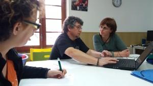Part de la comissió treballant en el Projecte