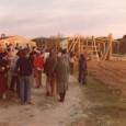 Avui us mostrem algunes fotos més de persones i moments que conformen la història del Rusc: El Rusc en plena rehabilitació i construcció del conillar i la capella (1979) Construïnt […]
